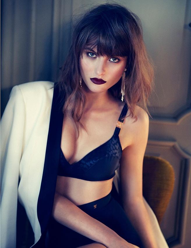 black simple lingerie