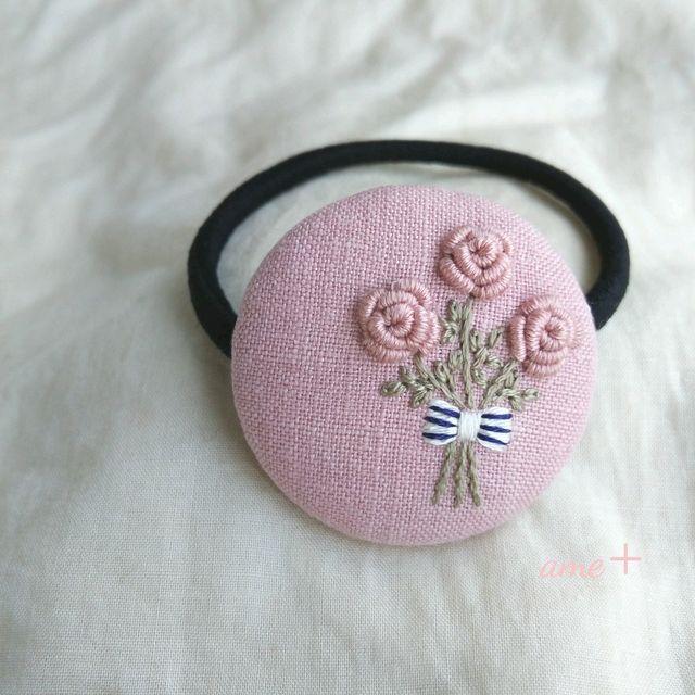 ハンドメイドマーケット+minne(ミンネ)|+pink+rose+花束+++刺繍ヘアゴム+++ブローチへ変更可能+