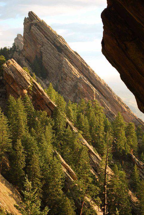 Always Colorado dreaming | Side shot of Flatirons #boulderinn