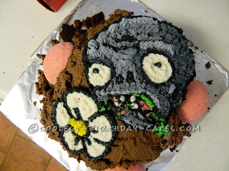 Plants Vs Zombies Birthday Cake... This website is the Pinterest of birthday cake ideas