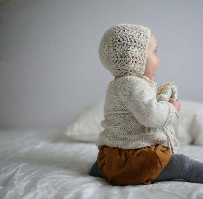 The lace bonnet from www.paelas.com