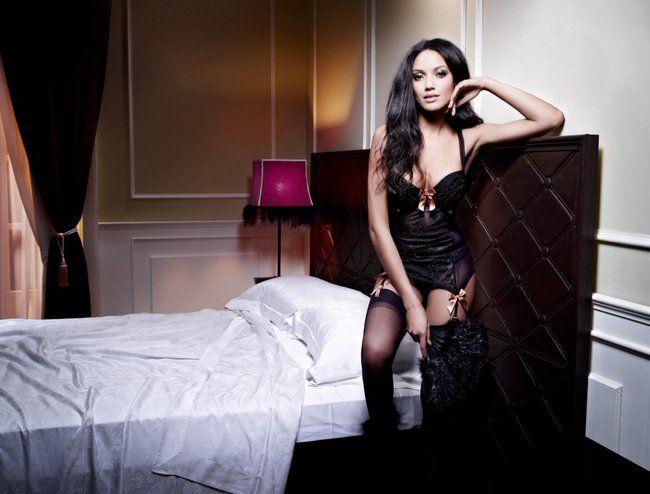 Селита Ибэнкс в фотосессии нижнего белья «Manor»