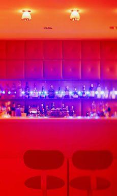 Hotel Drei Raben :: CocktailBAR RABENwein