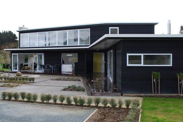 Mangaroa House: Upper Hutt by ballara bullman chin | bbc architects was a winner in the Housing category.