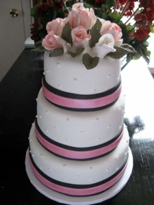 Simple Elegance by Signature Cakes of Nashville