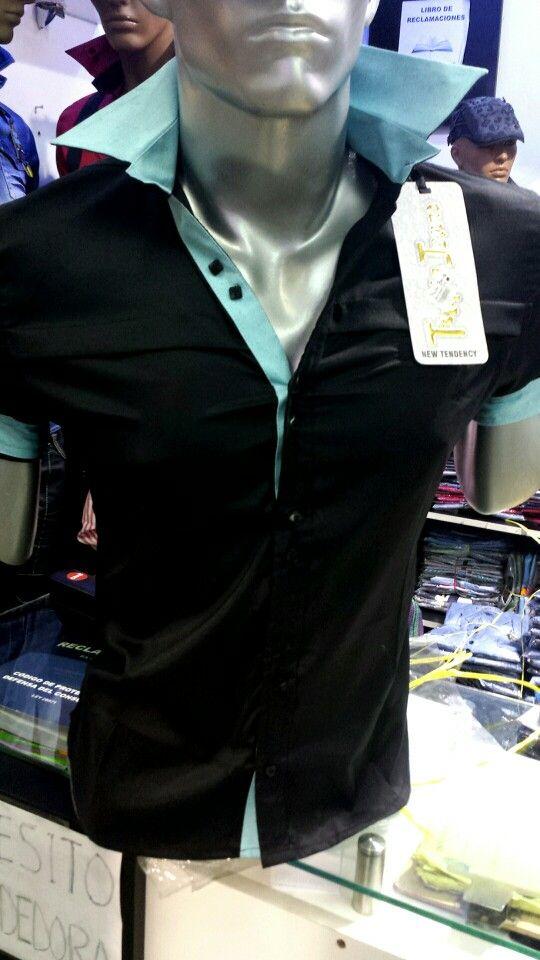 Camisas exclusivas diseño italiano. Corte slim fit. Calce perfecto. Talla small, medium y large. En nuestro local de Manuel Montt 021, Providencia. Despachos al fono 222330810 Whatsapp + 56964200293