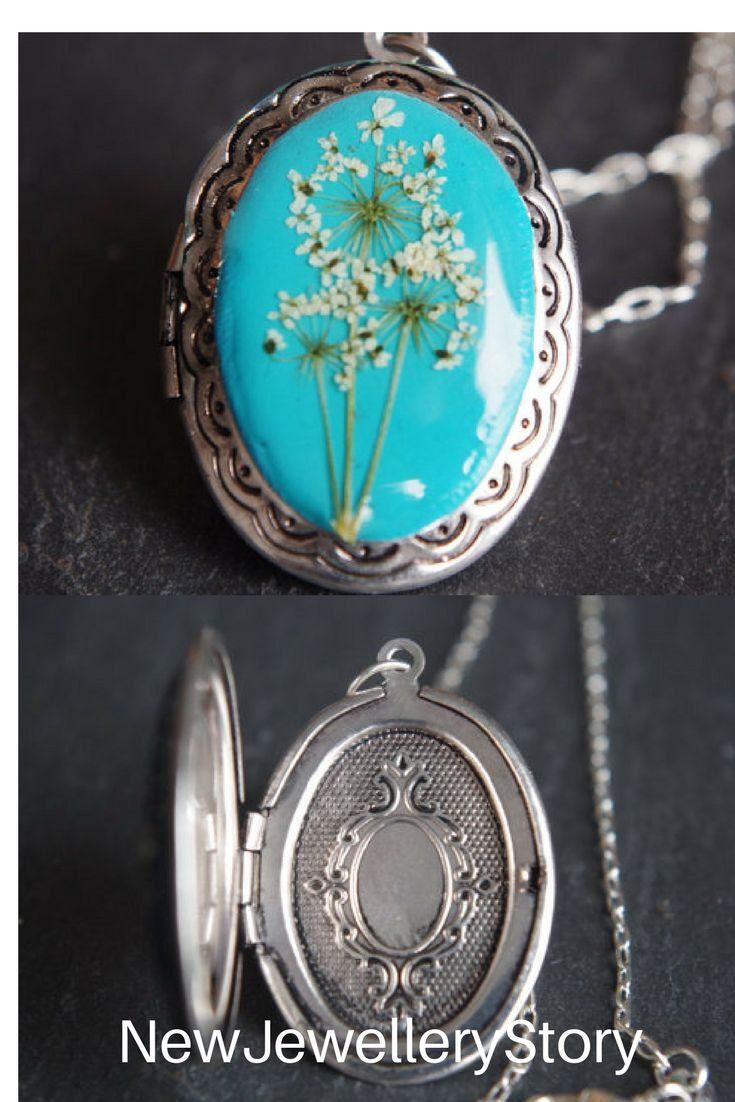 Real Flower Locket Turquoise Photo Locket White Flowers Locket Nature Pressed Flower Necklace Queen Anne's Lace jewelry Vintage Victorian#locket#mothersday#gift#flowers#etsy