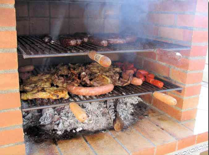 17 best images about bbq on pinterest backyards for Parrilla para una casa