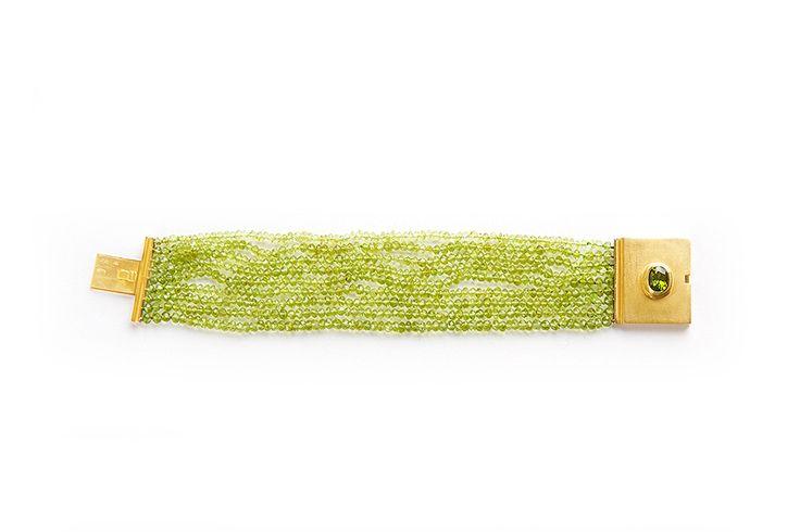 Bracelet in 18kt gold with tourmaline and peridot. - Bracciale in oro 18kt con tormalina e peridoto - #Bracciali #Gioielli #Bracelets #Jewellery #Italy