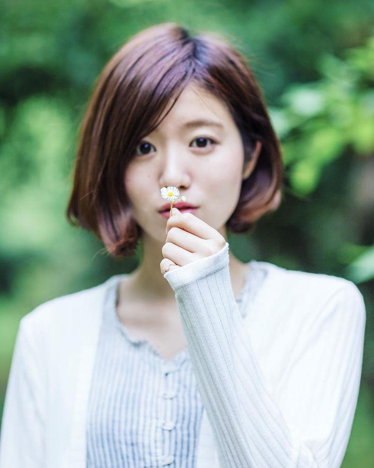 途中でかわいい花を見つけました  #杏沙子 #asako  #singersongwriter #girl #musician #photo #作品撮り  #自然 #緑 #白 #花 by asako_ssw https://www.instagram.com/p/BFyCI8iGeFN/ #jonnyexistence #music