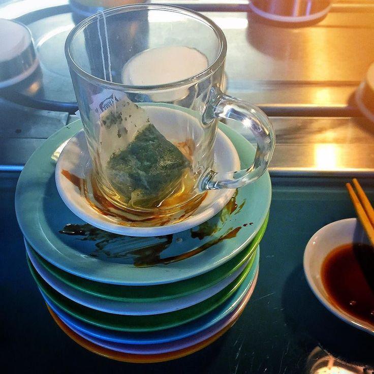 Many many plates later.... #satori #sushi #bentalls #kingston #conveyorbeltsushi # #greentea