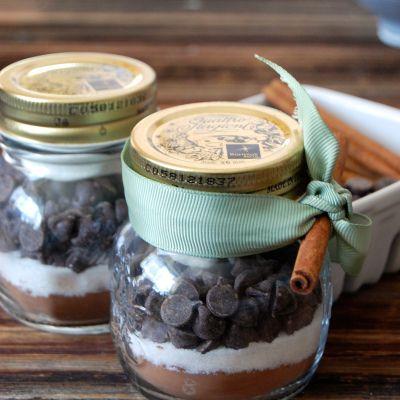 Edible DIY Gifts: Hot Chocolate Mix
