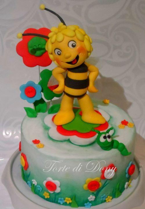 Maya the Bee cake.