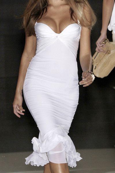 .: Versace Dresses, Curvy Dresses, Summer Dresses, Bridesmaid Dresses, Receptions Dresses, Dresses Ideas, Dinners Dresses, Little Sexy Dresses, White Dresses