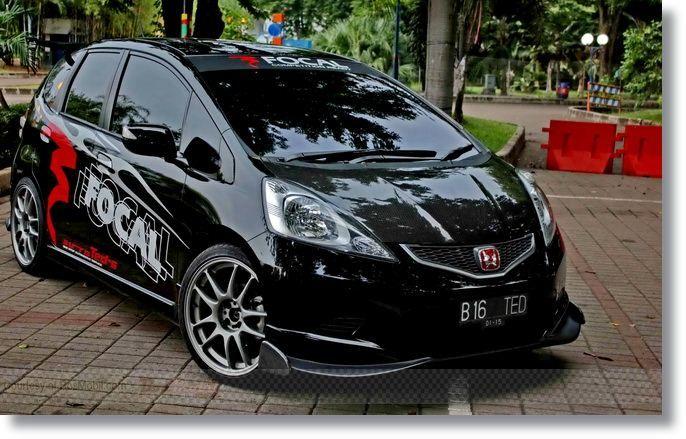 Modifikasi Honda Jazz Hitam