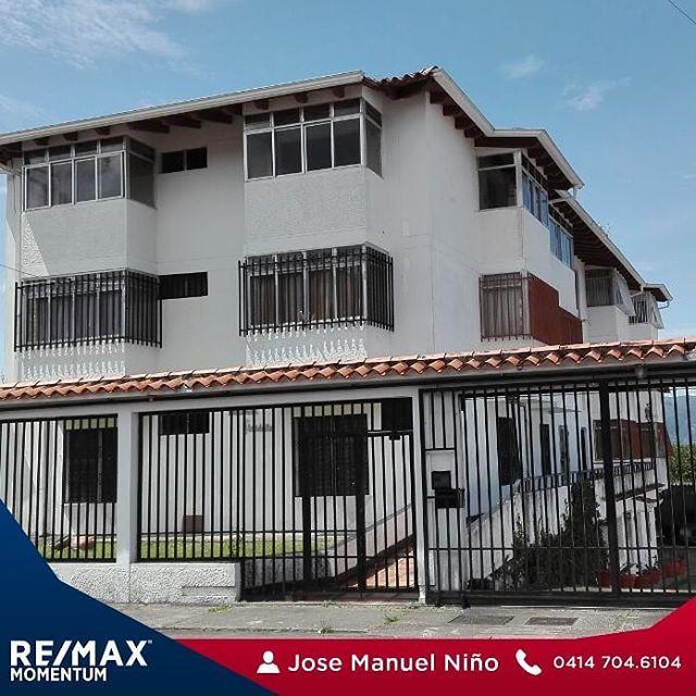 Apartamento 🏬 en las acacias 131 mts2 en planta baja 3 🛏 cada una con 🚽🚿 privado y closet, cocina empotrada con tope de granito. 👀 19.000$💵 NEGOCIABLES. #remax #remaxmomentum #realtor #venezuela #tachira #sancristobal #lideres #pasion #lifestyle #startup #familia #fllorida #latinos #mexico #miami #argentina #fllorida #realestateagent #realtorlife #venezolanosenmiami #venezolanosenelmundo #localrealtors - posted by José Niño https://www.instagram.com/josenino_remaxmomentum - See more…