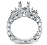 Custom round diamond rings for sale in Dallas, Texas.  We also have round diamond for sale.  http://www.diamorediamonds.com/