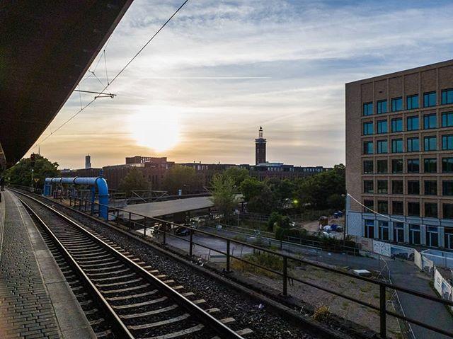 Am Bahnhof Messe Deutz Koelnergram Deutz Messedeutz Home Rtl