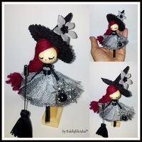 Broche de bruja/ Witch doll brooch                                                                                                                                                                                 Más