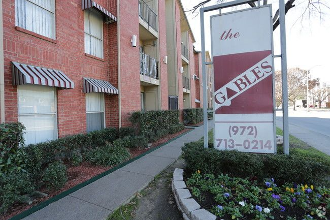 See all available apartments for rent at Gables on McCallum in Dallas, TX. Gables on McCallum has rental units ranging from 400-800 sq ft starting at $590.