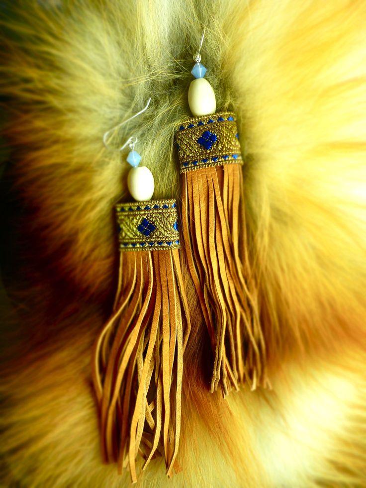 reindeer leather/reindeer horn/silver/ribbon/crystal