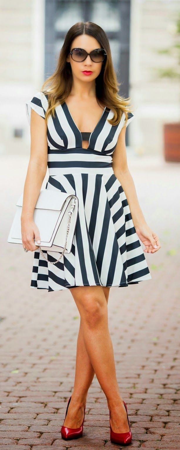 Causal Stripes Cut-out Dress