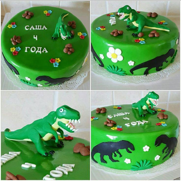Торт с динозавром...