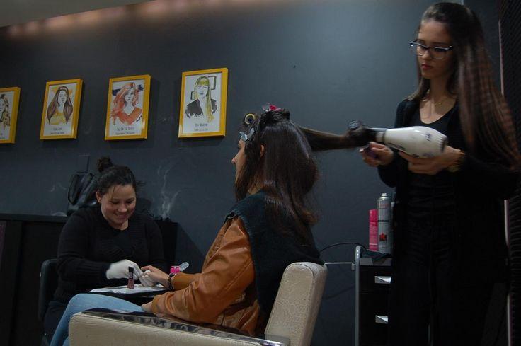 Os profissionais do Espaço Dellas possuem experiência comprovada e têm todo o conhecimento para dar o melhor tratamento que você necessita. Venha fazer seu cabelo suas unhas e maquiagem conosco! Esperando por você na Alameda Sebastião de Brito 147.  http://ift.tt/2e62bBG