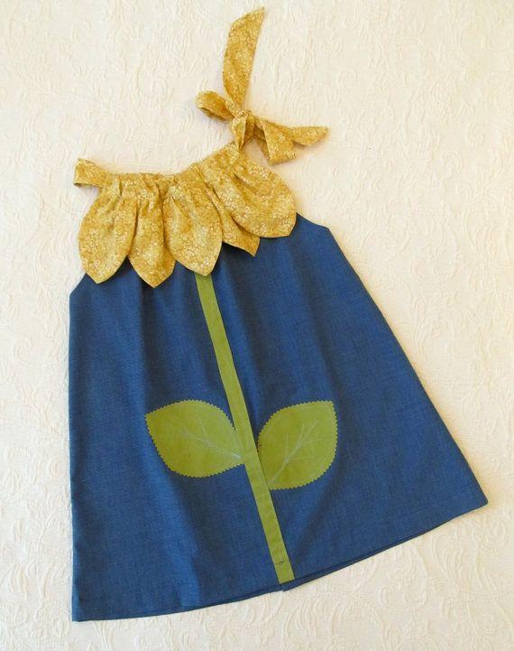 Ensoleillé fleur taie d'oreiller robe par RubyJeansCloset sur Etsy