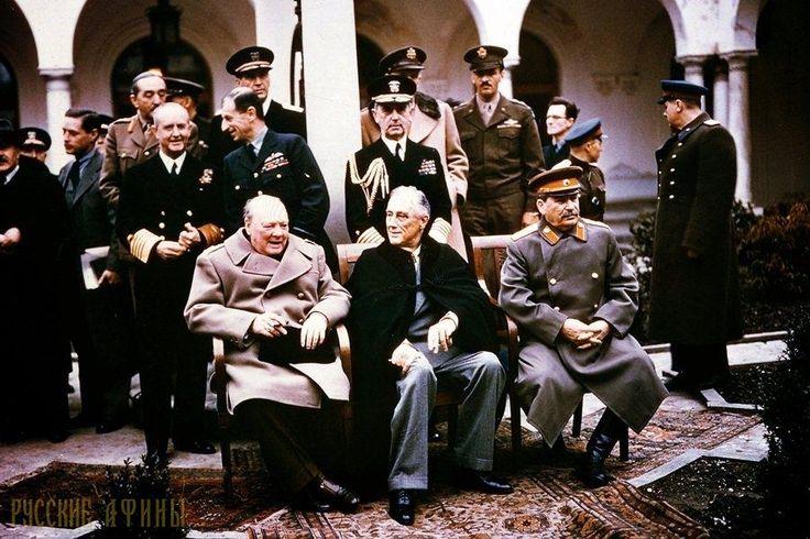 Греция: грязный секрет Великобритании. Часть IV http://feedproxy.google.com/~r/russianathens/~3/IdslfjDoDsQ/21049-gretsiya-gryaznyj-sekret-velikobritanii-chast-iv.html  Сегодняшние события в Греции имеют очень давнюю предысторию. Много пишут о советских войсках, введенных в Прагу в 1968 г. А вот о факте в истории о вмешательстве Великобритании и США во внутренние дела Греции, о 36 годах репрессий, расстрела мирной демонстрации в Греции вспоминают и пишут очень мало, а вернее вообще ничего…