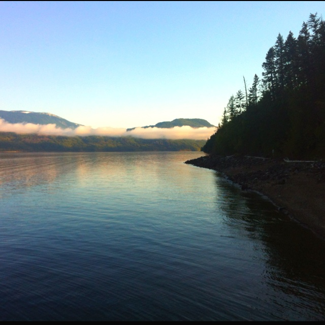 A beautiful morning on the Shuswap Lake <3