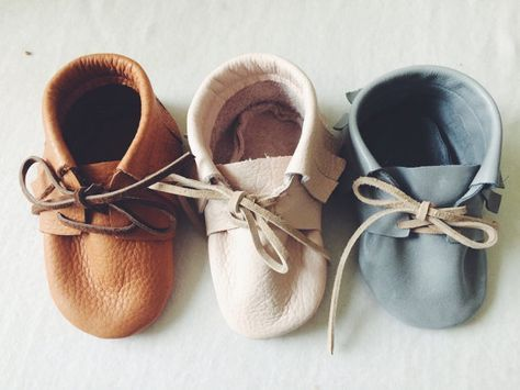 Everything you need to know about creating a new baby capsule wardrobe,  from the number of bodysuits to how many pairs of socks! Take a look  through the list and see what else you need to get....
