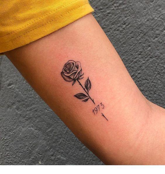 Kleine Rose süße Tätowierung