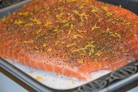 Dagen middag blev laxfilé som steks i ugnen på saltbädd, pressad potatis och en god kall romsås med räkor mmmmmmm så gott!!! Lax är ju allti...