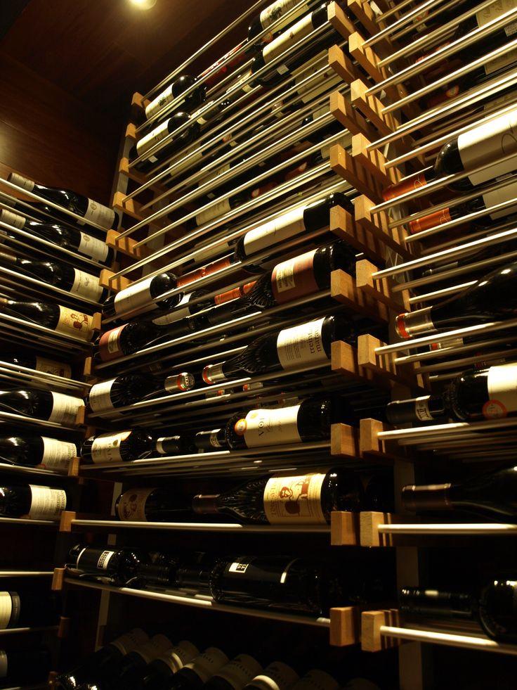 Cellier, vins d'importation Le Bar à vin - Bistro Le Club au Quartier Dix30 #bar #vin # wine bar #tapas #cellier #Dix30 #vin importation