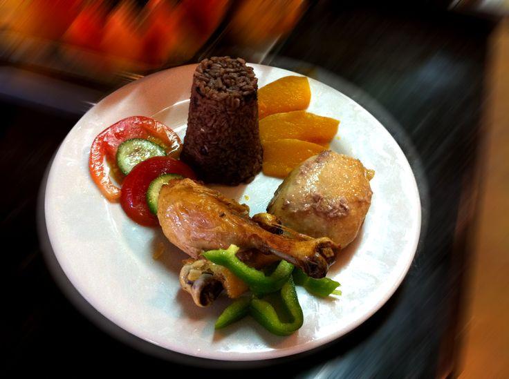 Typical Cuban cuisine... #HBrisasCaribe #Chef #Restaurant