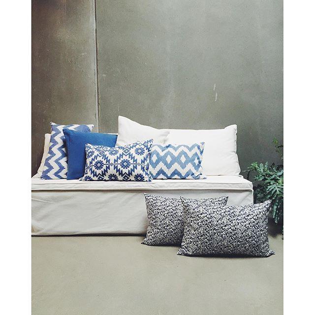 Blue tones   #tinekhome #tinek #interior #homedecor #cushioncover