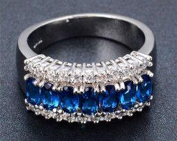 Luxusný prsteň zo zliatiny bieleho zlata so zafírmi