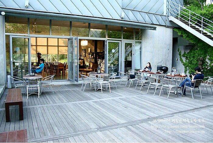 Blue wood cafe
