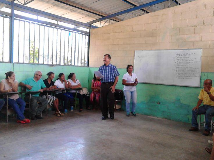 """Esta semana hemos estado realizando en la UEN """"José de la Cruz Paredes"""" la Autoevaluación de la Escuela Año Escolar 2016 – 2017. Hemos aplicado el instrumento a Docentes, Estudian…"""