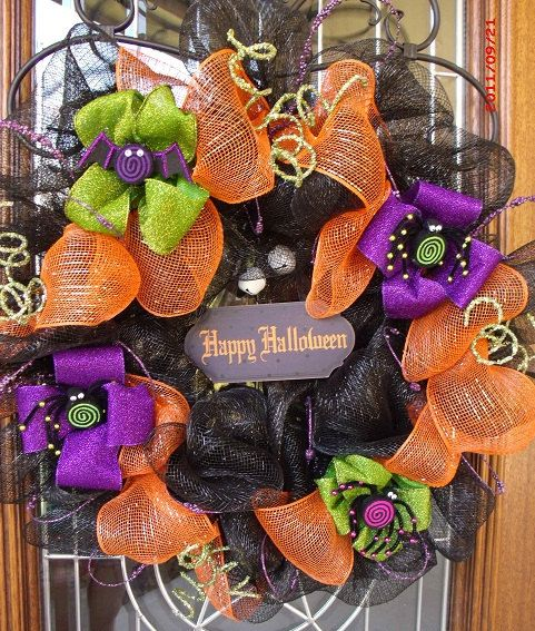 Mesh Ribbon Wreath: Holiday, Decor, Decomesh, Craft, Mesh Ribbon Wreaths, Mesh Wreaths, Halloween Wreaths