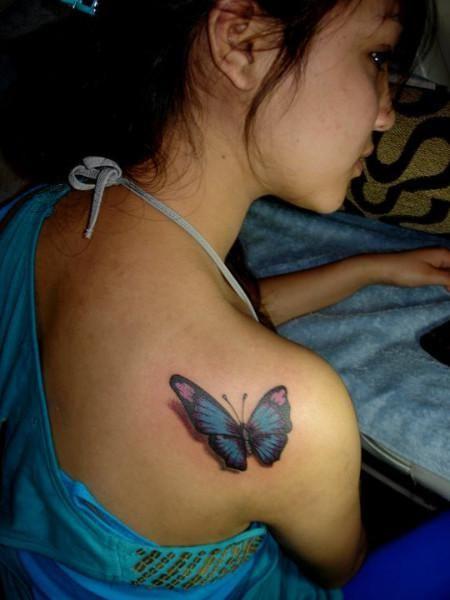 tattoo de mariposa 3d tatuaje de mariposa en el hombro con