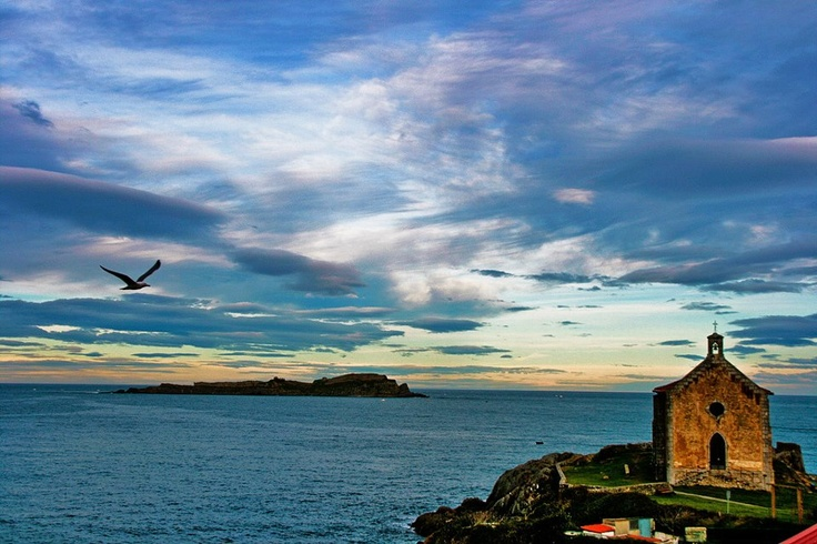 MUNDAKA URDAIBAIA BIZKAIA EUSKAL HERRIA / Pays Basque. Photo By Martin Ugalde
