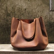 leather tote - wanting one badlySchools Bags, Double Straps, Shoulder Bags, Brown Leather, Awesome Handbags, Leather Totes, Big Bags, Leather Bags, Straps Shoulder