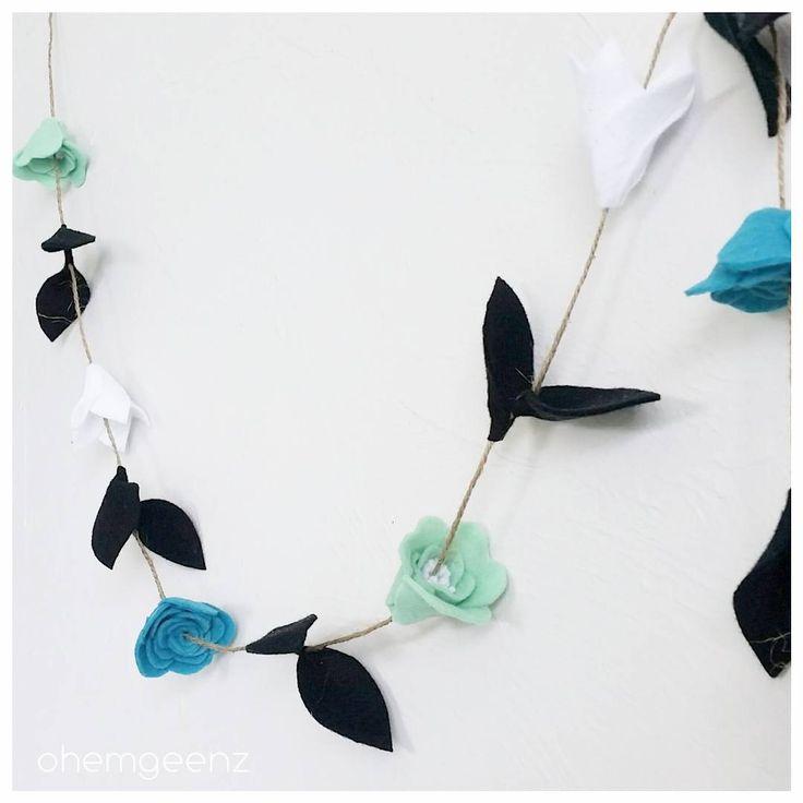 ▪||▪ F L O R A L . G A R L A N D ▪||▪ #felt #handmade #madeinnz #newzealand #feltflower #flowers #nzflorist #nnzmo #tauranga #garland #turquoisemintbalckwhite #floralgarland #ohemgeenz #customorder #bespoke
