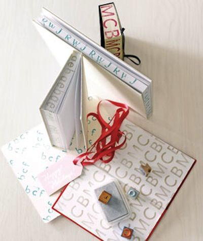 Easy DIY gift ideas that people actually want! Whether it's for mom, a boyfriend, a friend, or your favorite teacher, these homemade gifts are all easy enough for anyone to do.