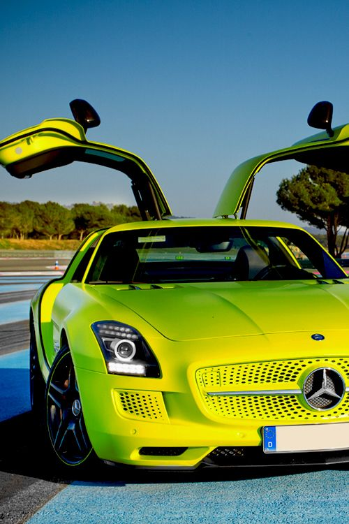 Mercedes SLS AMG Electric Drive.| Vivid Essentials