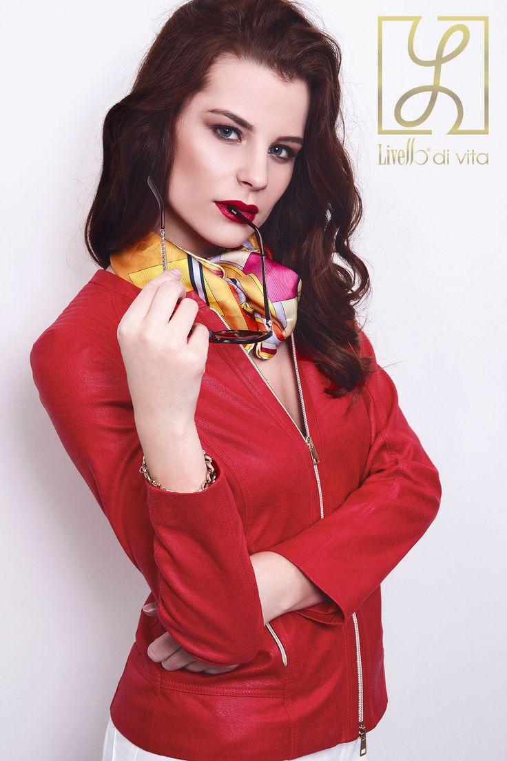 Kollekciónk egyik siker darabja. Piros motoros dzseki.  Photo: Rab Roland Design: Sajben Renáta Gosztola Gaby Pálffy Szilvia  Stylist: Cselényi Eszter