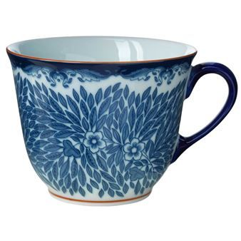 Floris is an updated porcelain collection inspired by the 80 year old series Ostindia from Rörstrand. The design behind Ostindia Floris is Caroline Slotte and Anna Lerinder where they have renewed the series and created a mug, plate and bowl with a classic touch!