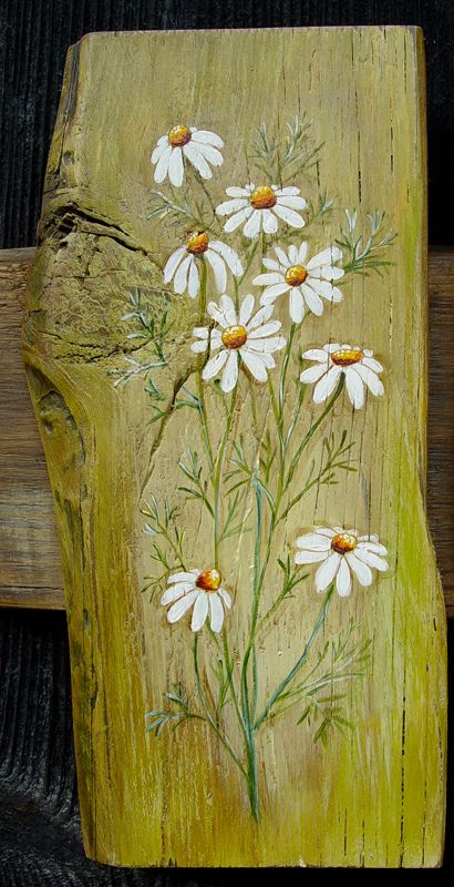 Daisies painted on wood. majowa łaka